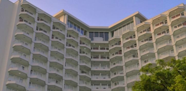 home-section-background-facade-4-2