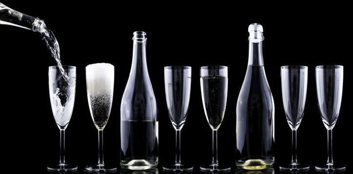 champagner-toasting-new-year-s-eve-drink-2