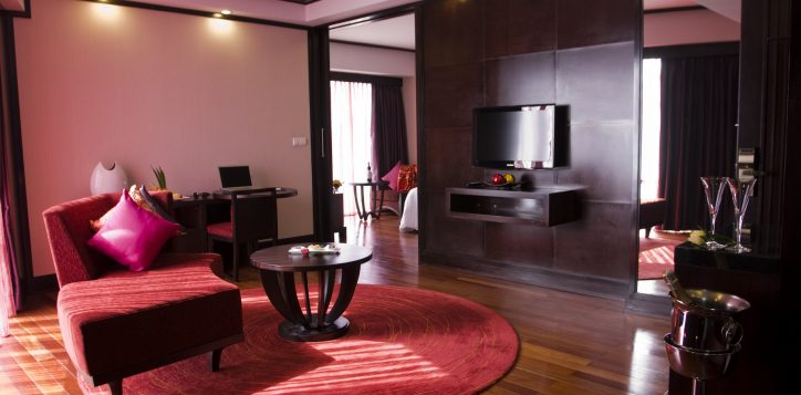 17-suite-living-room-2
