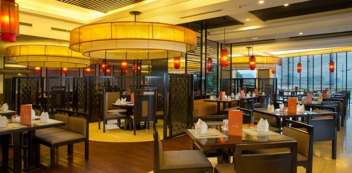 restaurants_bars-section-1st-restaurant-detail-the-square-restaurant-3-2