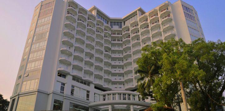 copy-of-1-facade-of-novotel-ha-long-bay-2